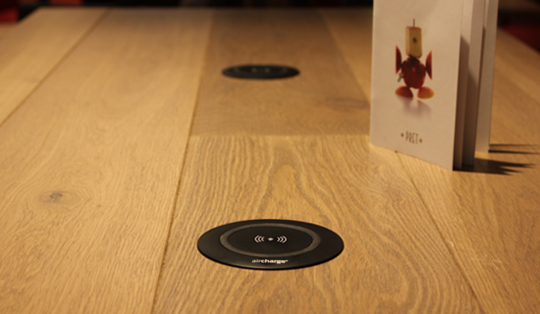 wireless charging in Pret a Manger