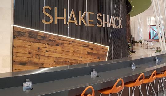 wireless charging in shake shack
